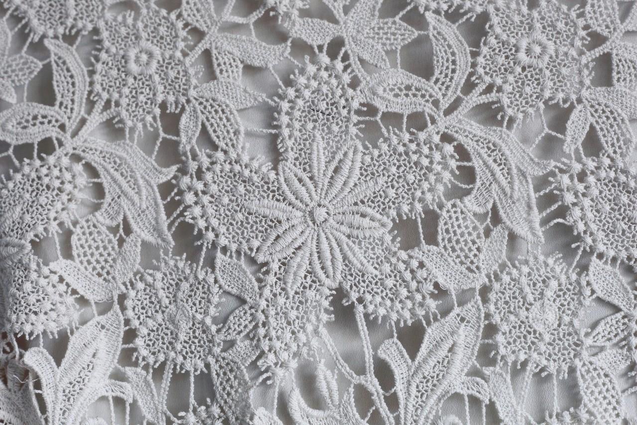 Oryginalne zdobienia sukien ślubnych